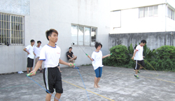 庆溢照明-第一届跳绳比赛